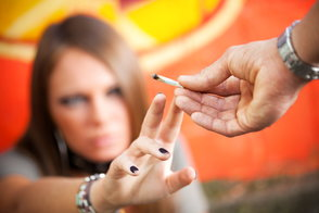 10 Behavioral & Physical Indicators Your Teen May Be on Drugs
