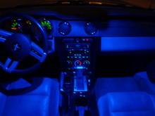 blue led dome light, gloss black center console and center trim