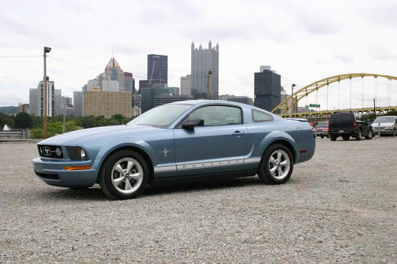 Mustang with Pittsburgh in the background (more of the city)