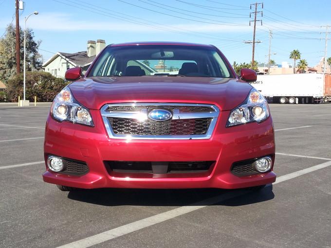 Subaru Legacy 2.5i Sport front