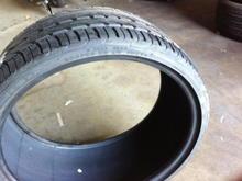 Pirelli P Zero Nero 285/25/20 (rear)