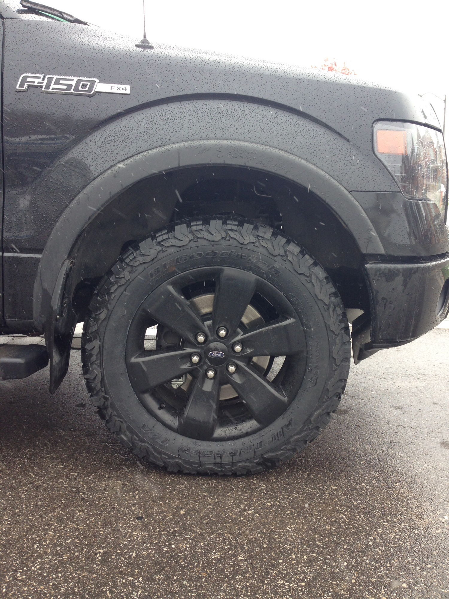 2006 Toyota Tundra Leveling Kit Looking for side view pics of BFG AT KO2 in 275 55 20 Ford F150