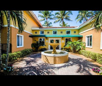 Coconut Palm Club Apartments Reviews