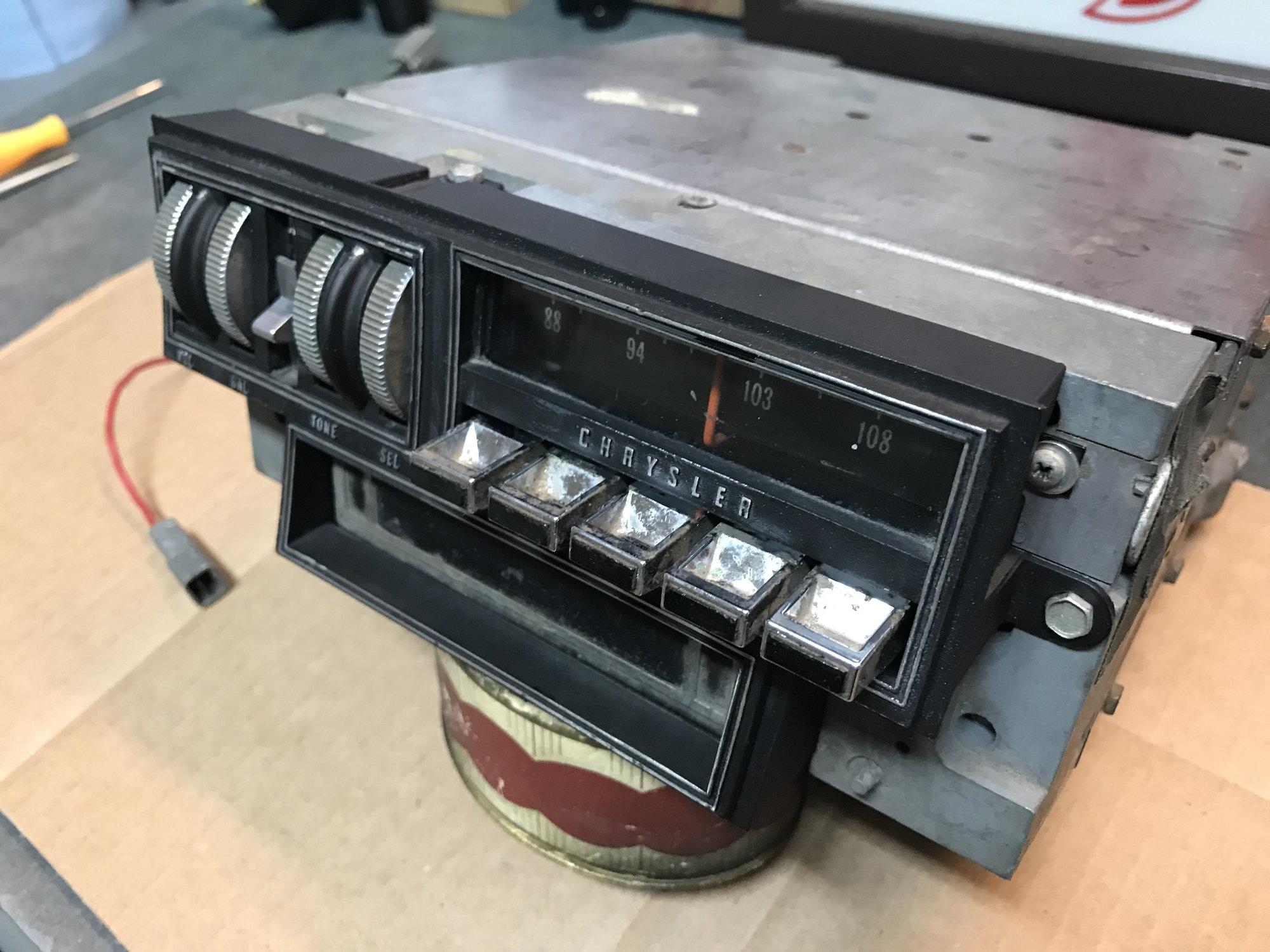 Chrysler Am Fm 8 Track Thumb Wheel Radio