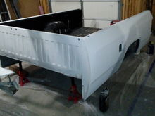 Bed with primer