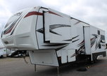 35' 5th Wheel TRITON TOY HAULER 2 Slides, Sleeps 7/ Offers