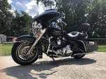 2010 Harley Davidson Road king With only 3500 miles  for sale $11,700