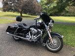2010 Harley Davidson Road king low miles 3900  for sale $11,500