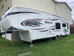 2009 5th wheel  for sale $30,000