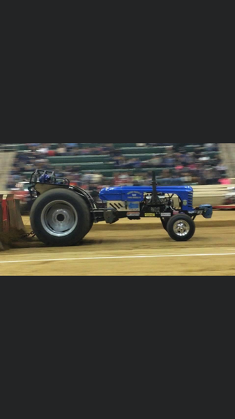 V8 Classic Modified Pulling Tractor