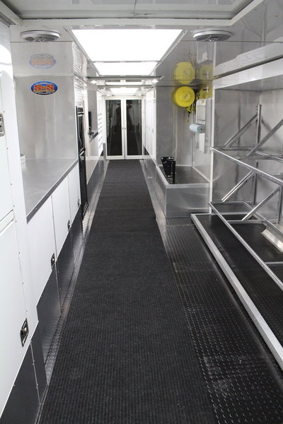 2012 S&S 25' TOTERHOME & 38' LIFTGATE TRAILER