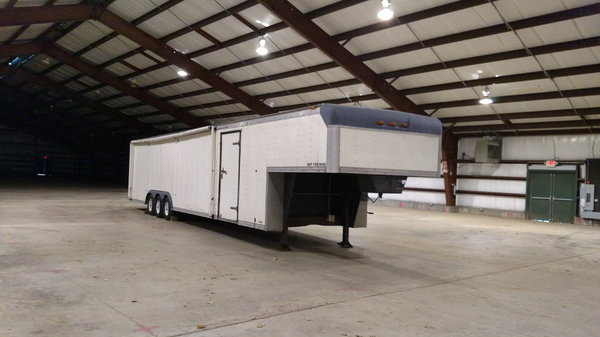 43 foot car hauler  for Sale $8,000