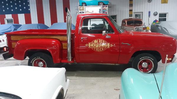 1979 lil red Express truck. Big block
