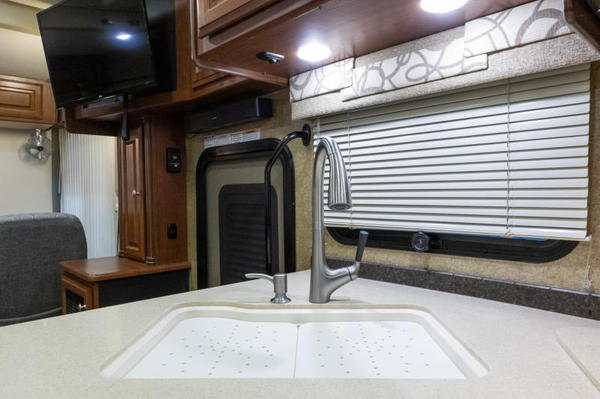2014 Thor Palazzo 36.1 Class A Diesel Pusher for sale