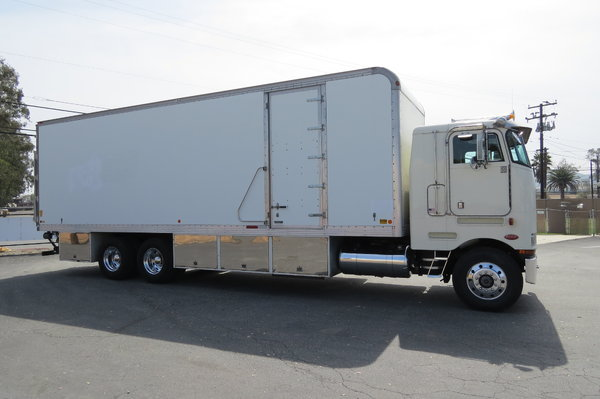 1989 Peterbilt 362 Sleeper COE 32 ft. Box Van Grip Truck