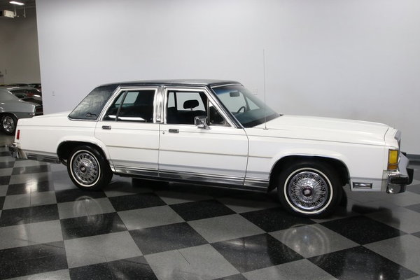 1986 Ford LTD Crown Victoria  for Sale $6,995