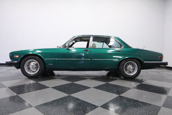 1985 Jaguar XJ6 Vanden Plas  for Sale $6,995