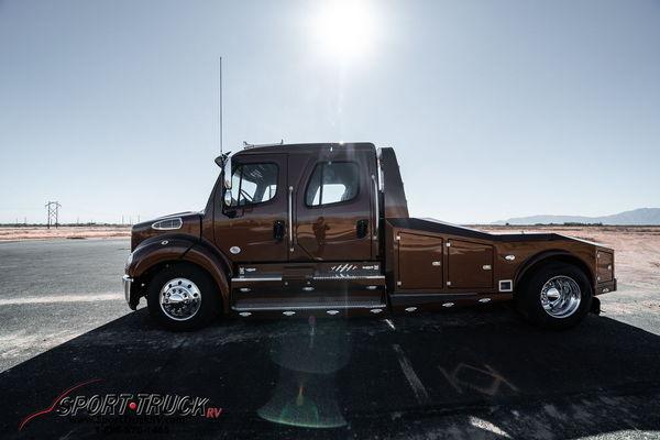 2019 Freightliner® Sedona Edition