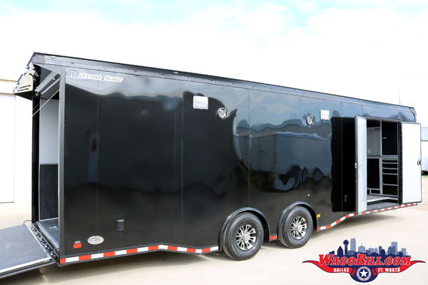 28' Pro-Racing Black-Out by Wells Cargo Wacobill.com
