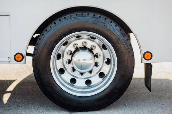 FREIGHTLINER SPORT HAULER 330HP MERCEDES  for Sale $75,000