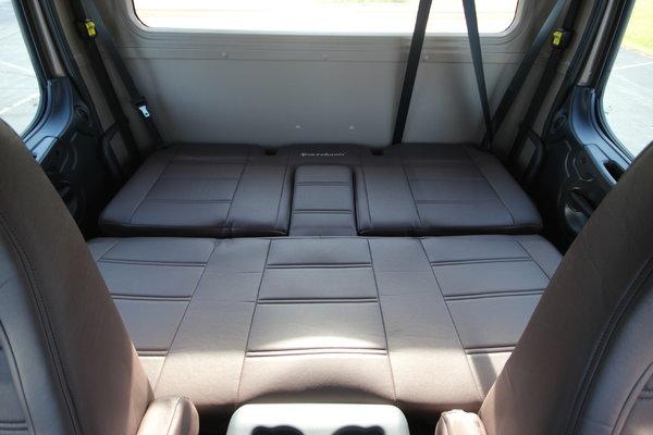 2015 Freightliner® Sportchassis RHA-114 Truck