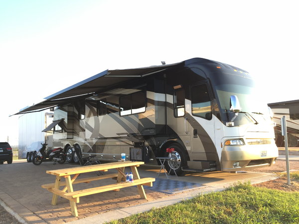 45 FT Quad Slide Coach w/Custom MotorSports Salon  for Sale $192,500