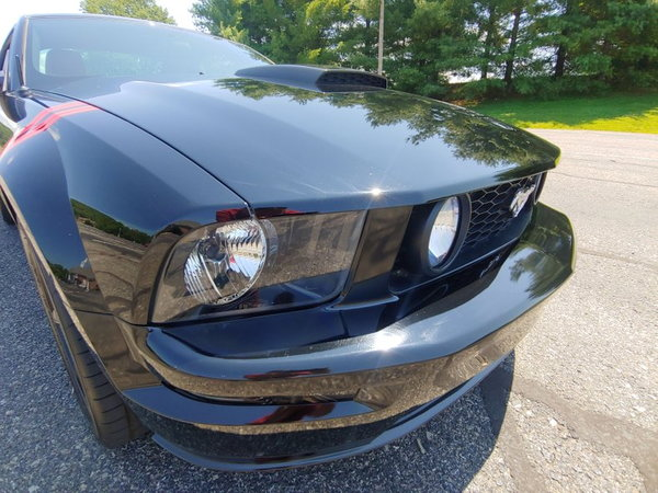 2005 Ford Mustang  for Sale $12,250