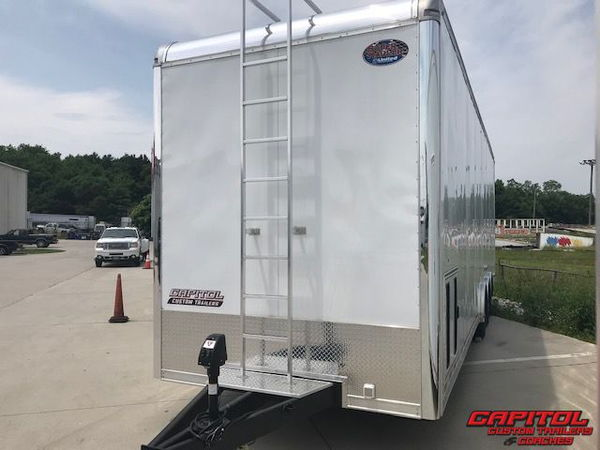 2019 UNITED SUPER HAULER 32' SPRINT CAR HAULER