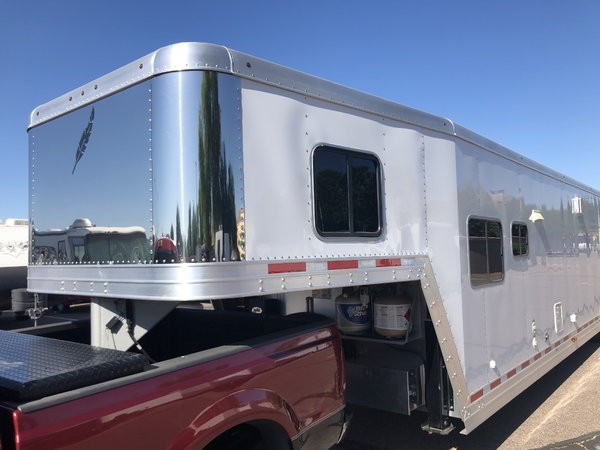 2019 32'/40' Featherlite 4941 GN w/Living Quarters  for Sale $64,000