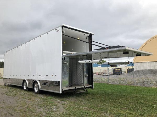 Freightliner Moterhome w/ Liftgate Custom Trailer  for Sale $155,000