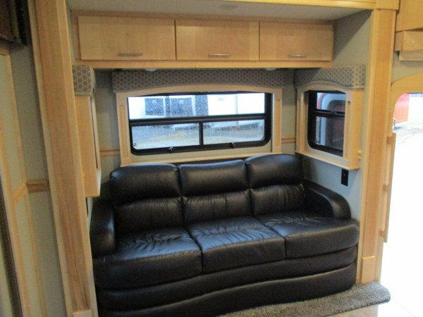 Brand New 2018 Renegade 17' Toterhome - Bunk Beds
