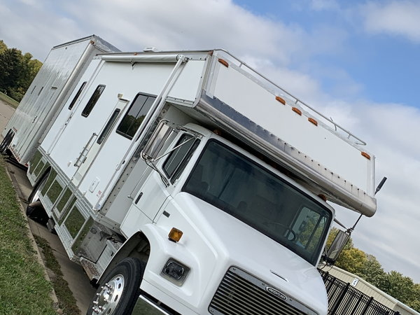 1997 Freightliner Toterhome and 2008 Stacker Trailer  for Sale $70,000