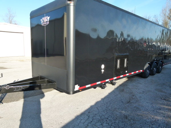 2019 34' VINTAGE PRO-STOCK BLACKHAWK BATH ROOM UNIT