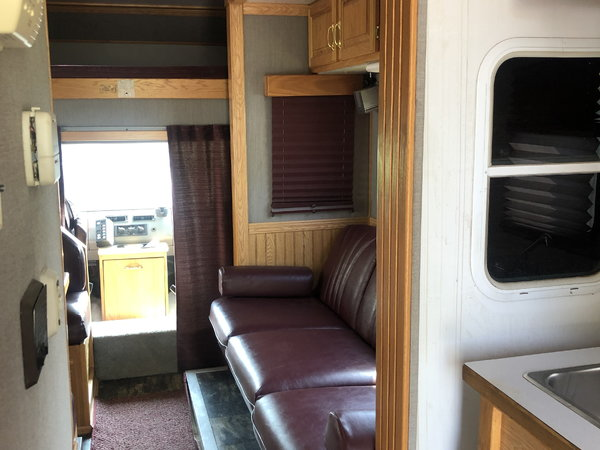 2002 United Express Toterhome  for Sale $75,000