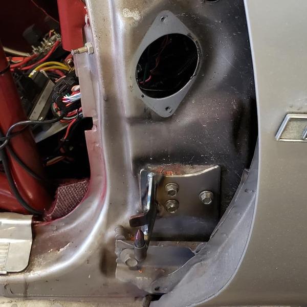 G Body door hinge kit  for Sale $300