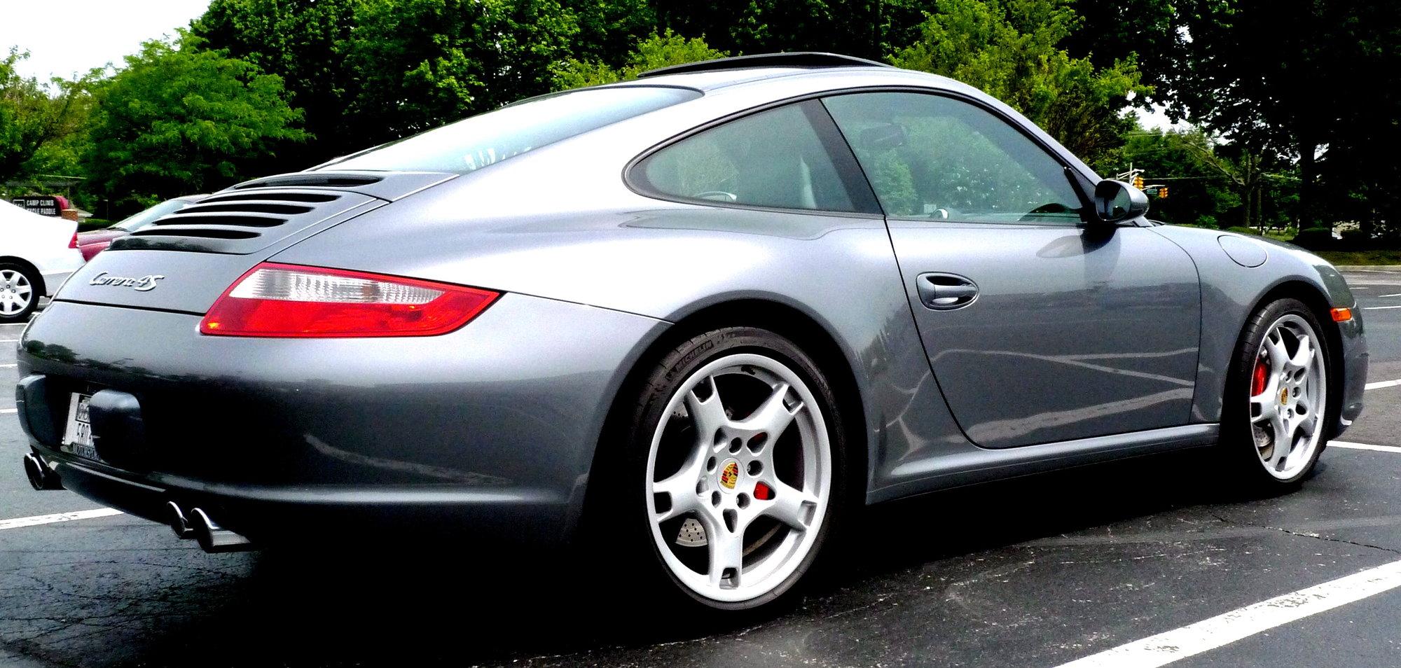 Garage - 911 C4S