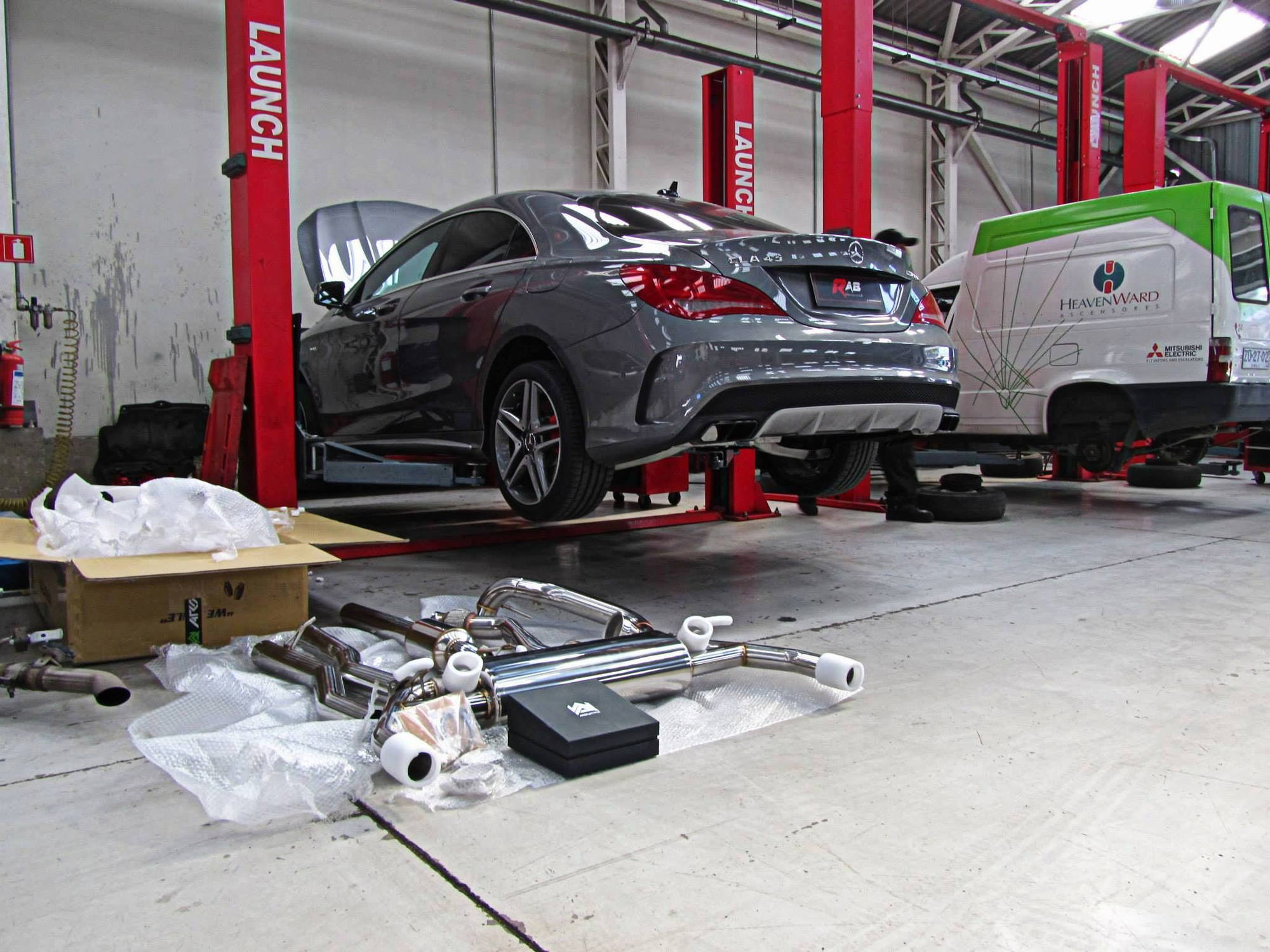 Mercedes Benz CLA45 AMG   Armytrix Performance Variable