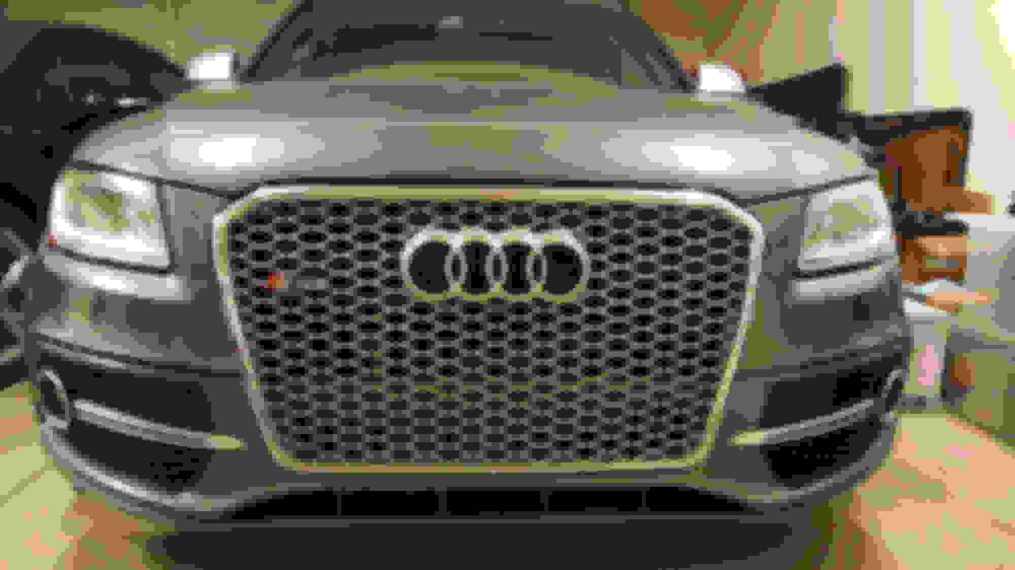 RS Style Sport Grille Glossy Black Frame Black Ring For 2009 10 11 12 Audi Q5