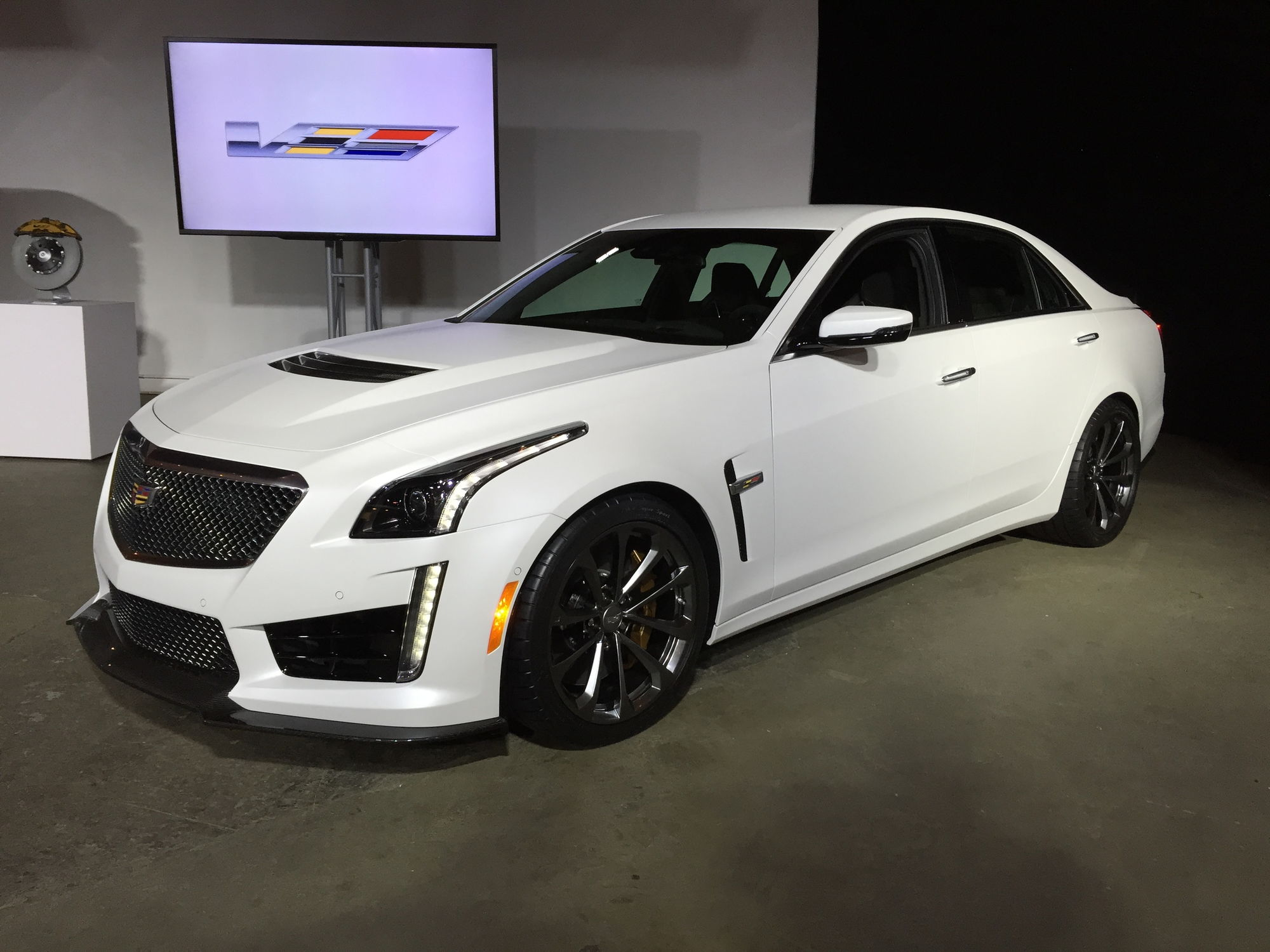 2016 cadillac cts v arrives with 640 hp 200 mph top speed clublexus lexus forum discussion. Black Bedroom Furniture Sets. Home Design Ideas