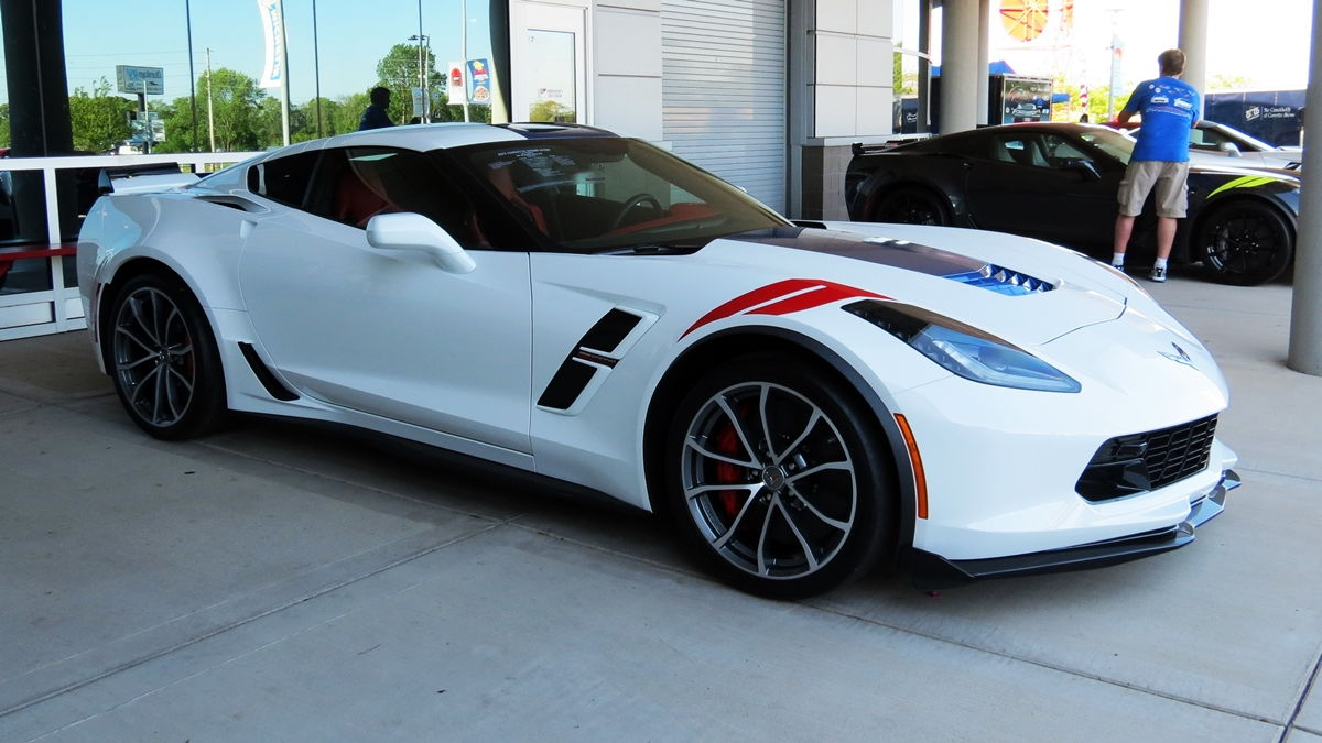 2017 corvette grand sport heritage package in arctic white corvette - My Ncm Bash 2017 Grand Sport Exterior Photos