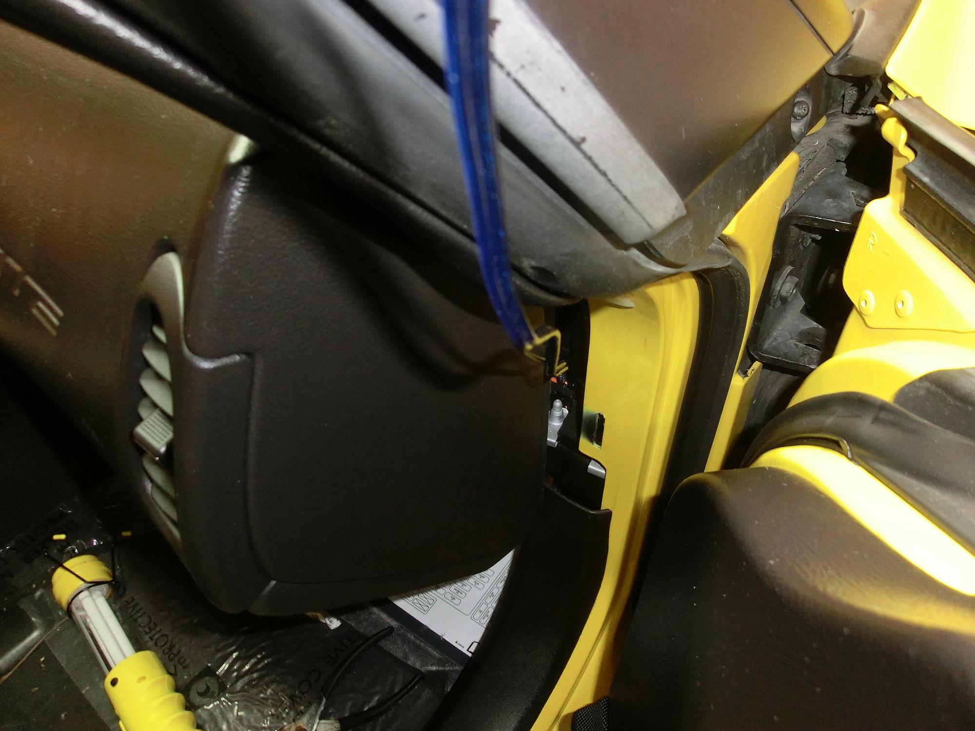 80 cimg3060_e4cd79521390029119e02dc3872c060fe128785b wiring diagram for rear view mirror corvetteforum chevrolet  at soozxer.org