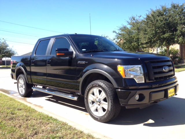 2010 f150 fx4 black leather all the options that year had sunroof sony system navi etc