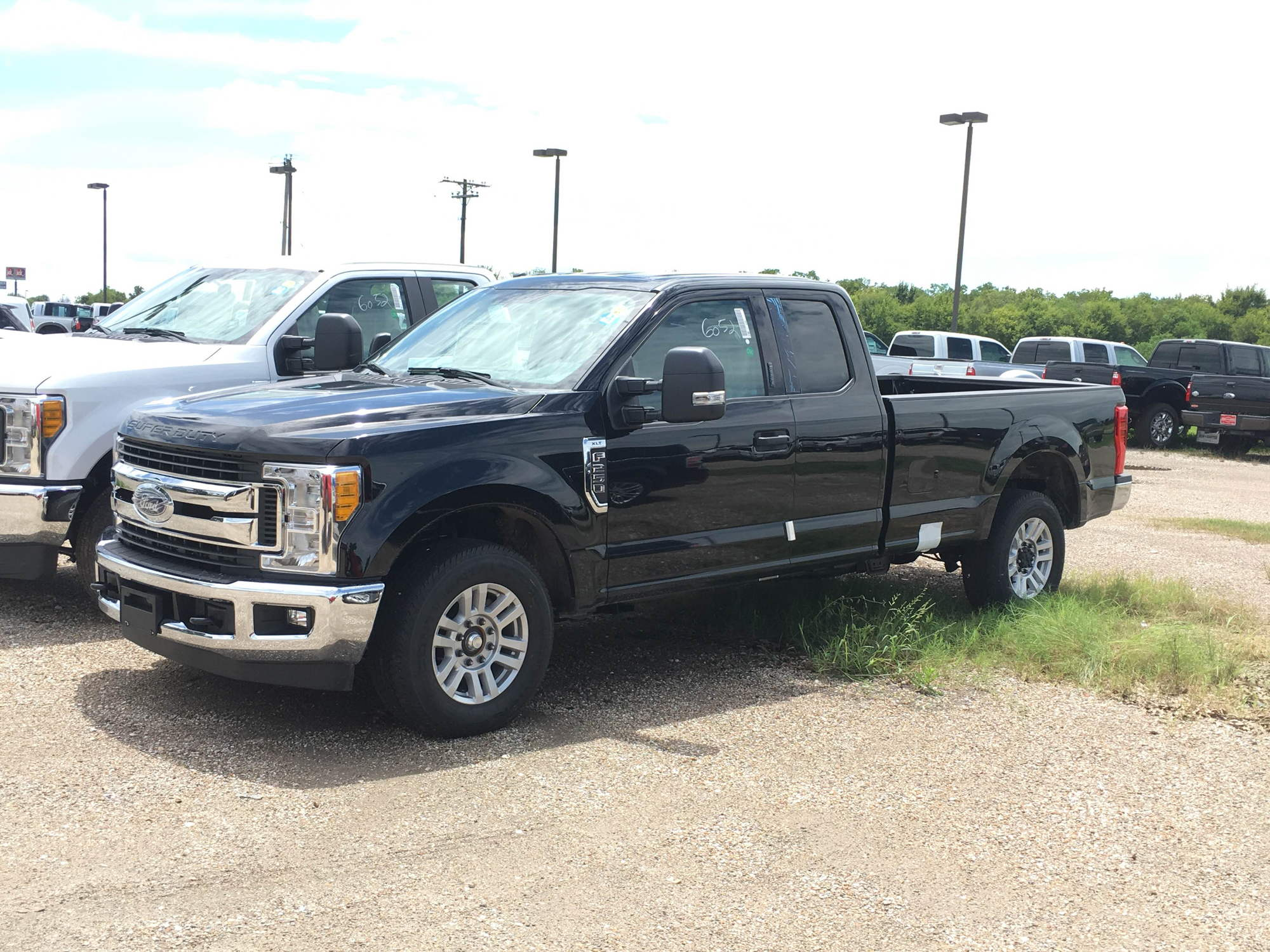 2017 F-350 CC 6.7 Dually Lariat spotted at local dealer ...