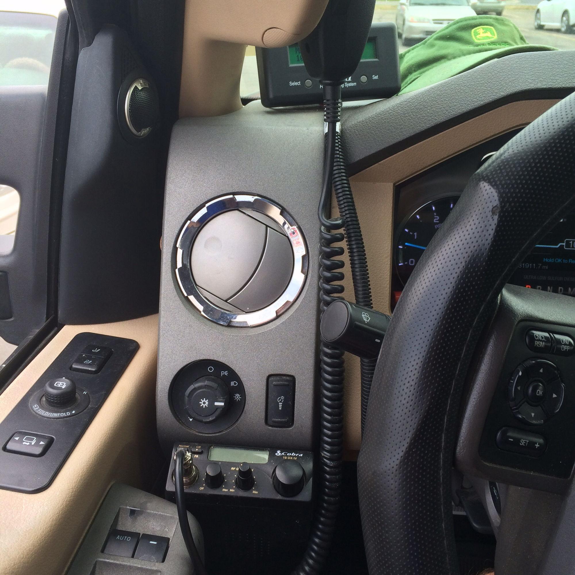 Image D B D Ea Ed E E Cac E Ea Bc on 2000 Chevy Blazer Radio