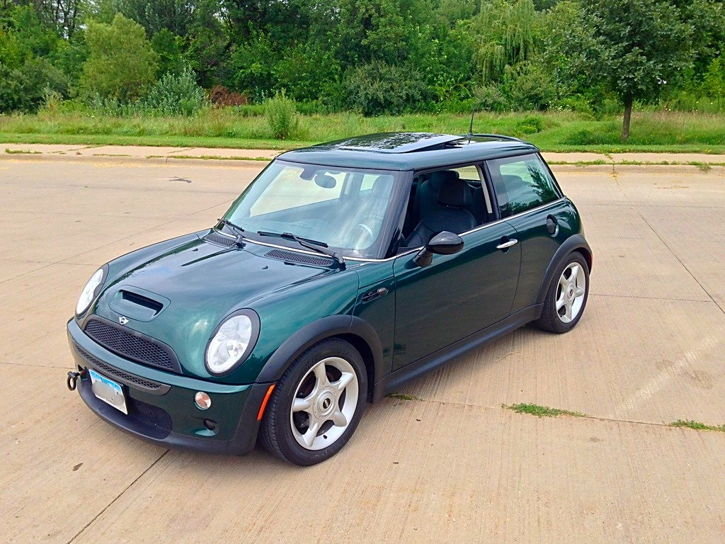 fs ia 2004 mini cooper s north american motoring. Black Bedroom Furniture Sets. Home Design Ideas