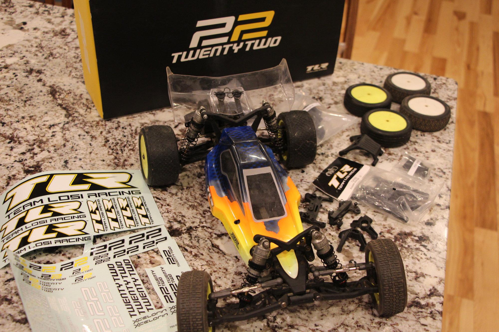 TLR 22 1.0 Roller