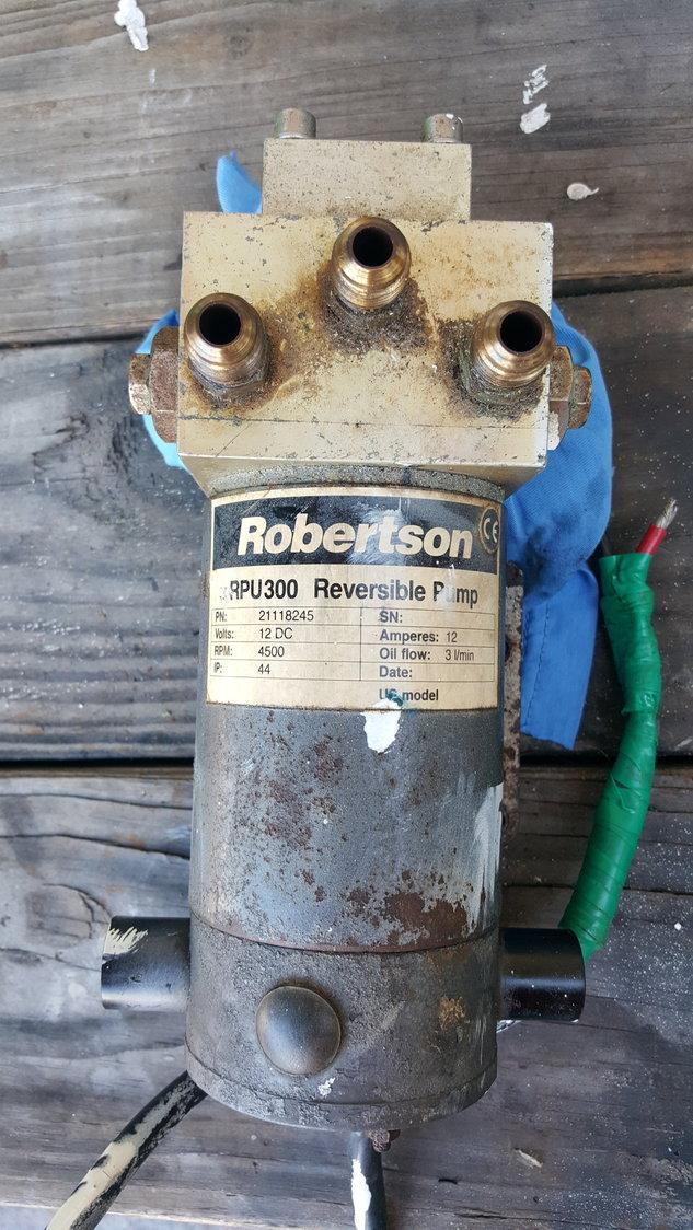Simrad Robertson autopilot reversing pump RPU300 high volume p/n 21118245 - The Hull Truth ...