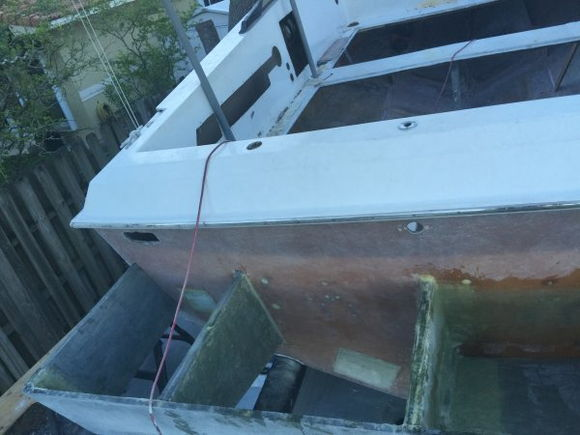 All 3 stringers as well as additional beam traversing transom for engine bracket support