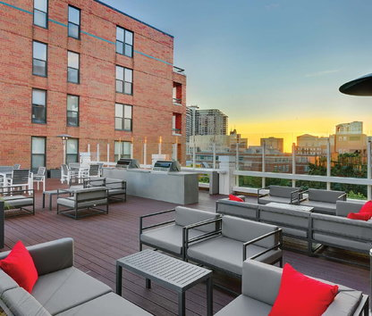 Reviews & Prices for Evanston Place, Evanston, IL