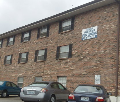 Image Of Oxford Apartments In Maplewood, MO